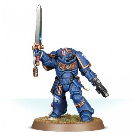 Primaris Lieutenant con espada de energía
